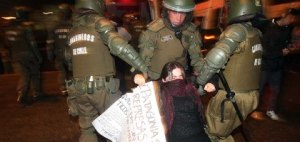 Miles de personas han protestado contra HidroAysen. Fuerte represión.